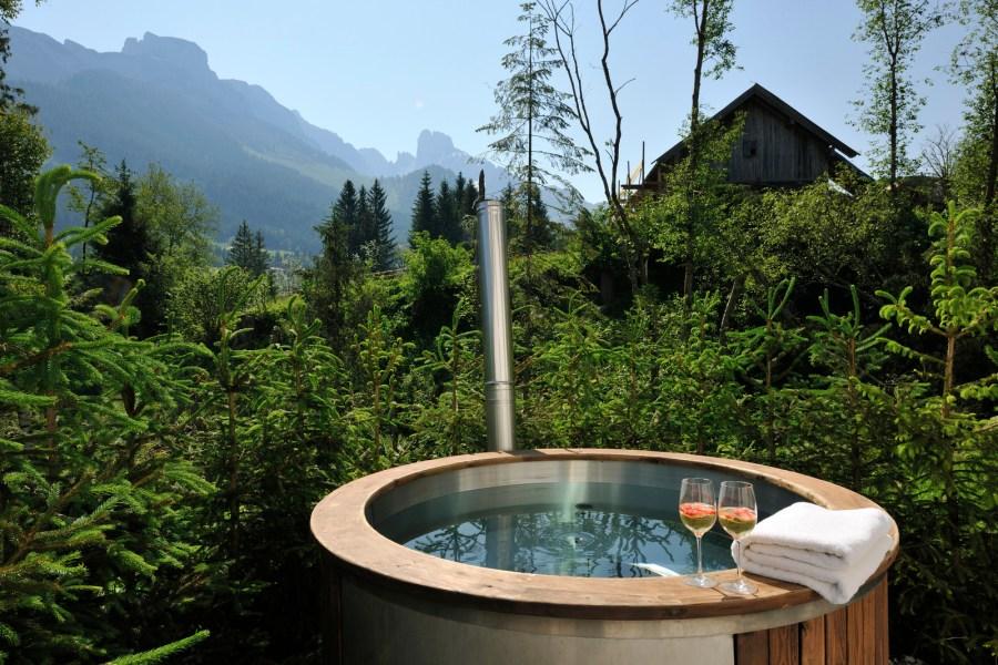 Der Hot Tub für Wellnessstunden unter dem Sternenhimmel.