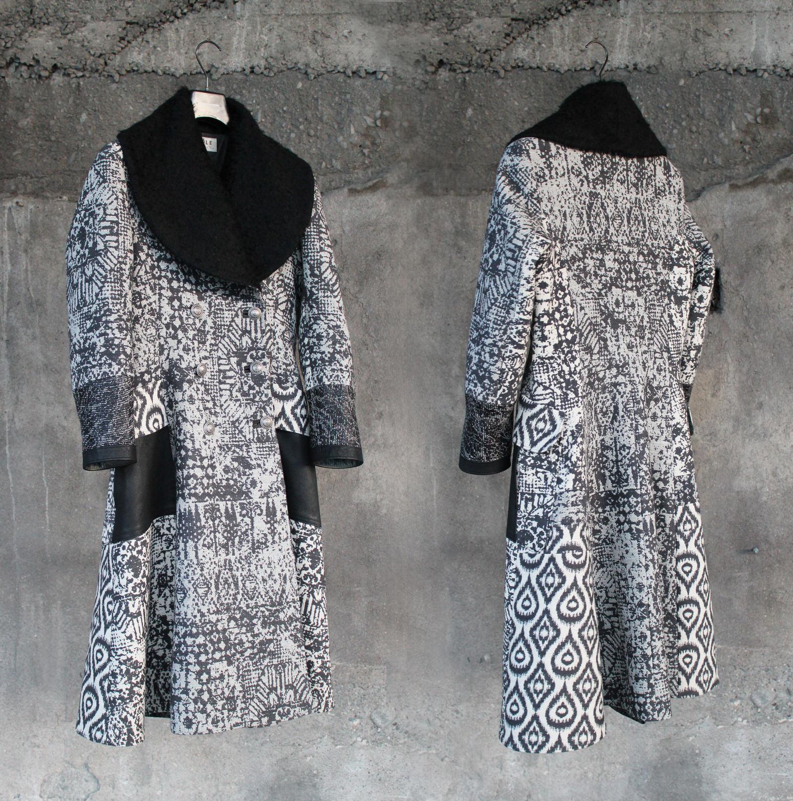 Jedes Einzelstück wird von dem Textilkünstler mit Passion und Leidenschaft aus nachhaltigen Naturmaterialien hergestellt.