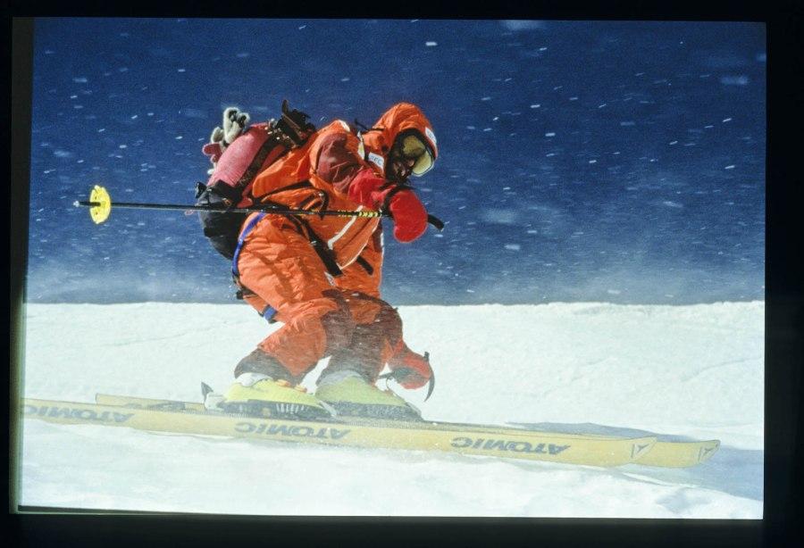 Kammerlander absolvierte bis heute rund 3500 Kletter- und Bergtouren auf der ganzen Welt, darunter 50 Erstbegehungen. Es gelangen ihm über 60 Alleinbegehungen im VI. Schwierigkeitsgrad, beispielsweise an den Drei Zinnen, der Civetta, der Marmolada, in der Sella-Gruppe und am Heilig Kreuzkofel.
