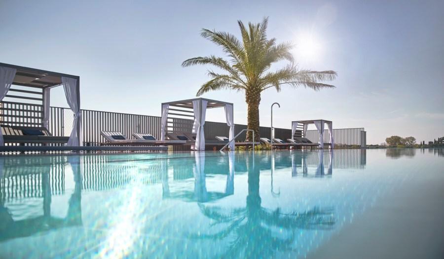 Quellenhof Luxury Resort Lazise Skypool