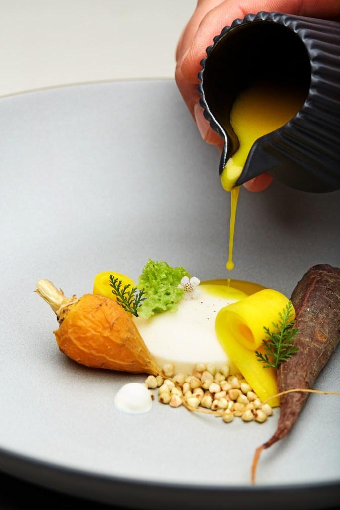 Die Natur und die Bauern aus der Umgebung liefern die Zutaten, die in der FORESTIS Küche mit dem Respekt vor altbewährten Traditionen und mit der Kreativität einer modernen Küche geschmacklich vollendet werden.