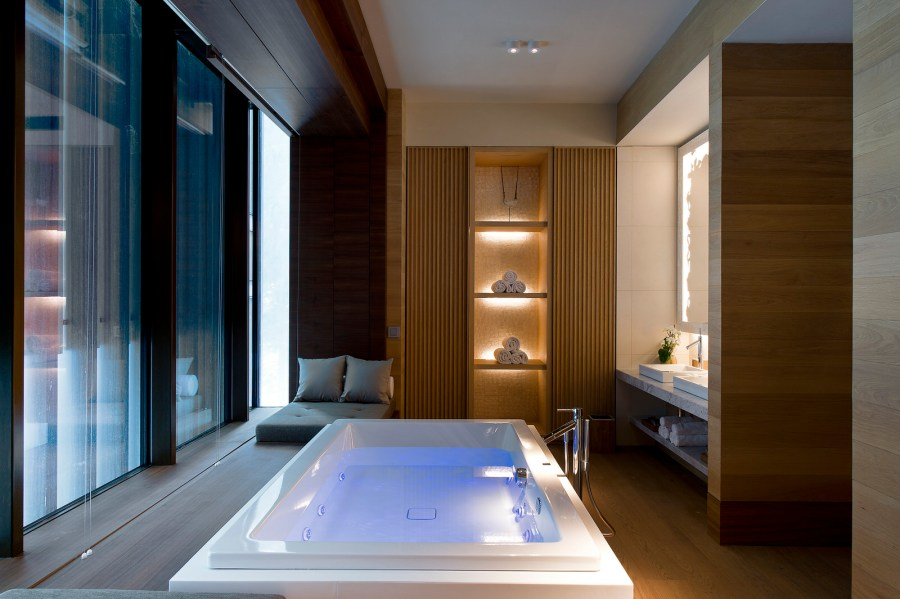 Chedi Spa Suite Bathroom.