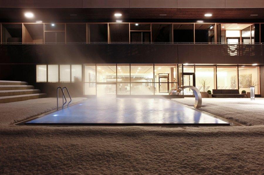 Pool im Winter Sonne Mellau
