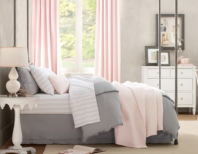 spr10_12_Martine_bedroom