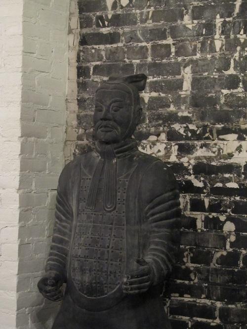 statue_oe