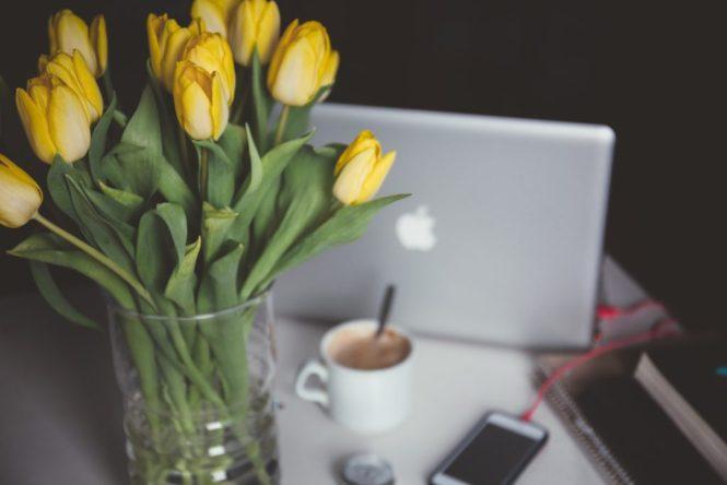 flowers boost creativity