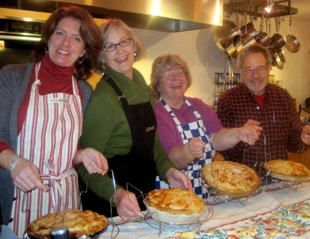 Sue Hopkins (3rd from left) at Art of the Pie Workshop