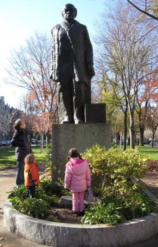 Friends and family below statue of Domingo Sarmiento in November 2009