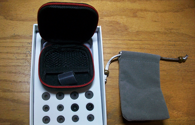 Apie Earphones Carrying Case and Extra Earbuds