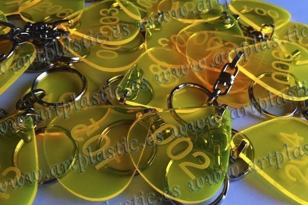llaveros personalizados metacrilato amarillo original transparente 3A