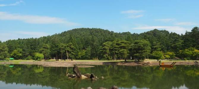 奥州平泉毛越寺大泉が池の6月の風景写真