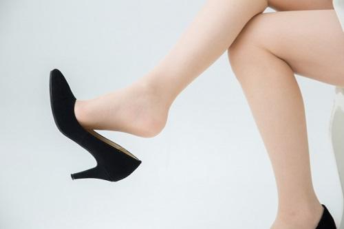 足のサイズを小さくする方法は?