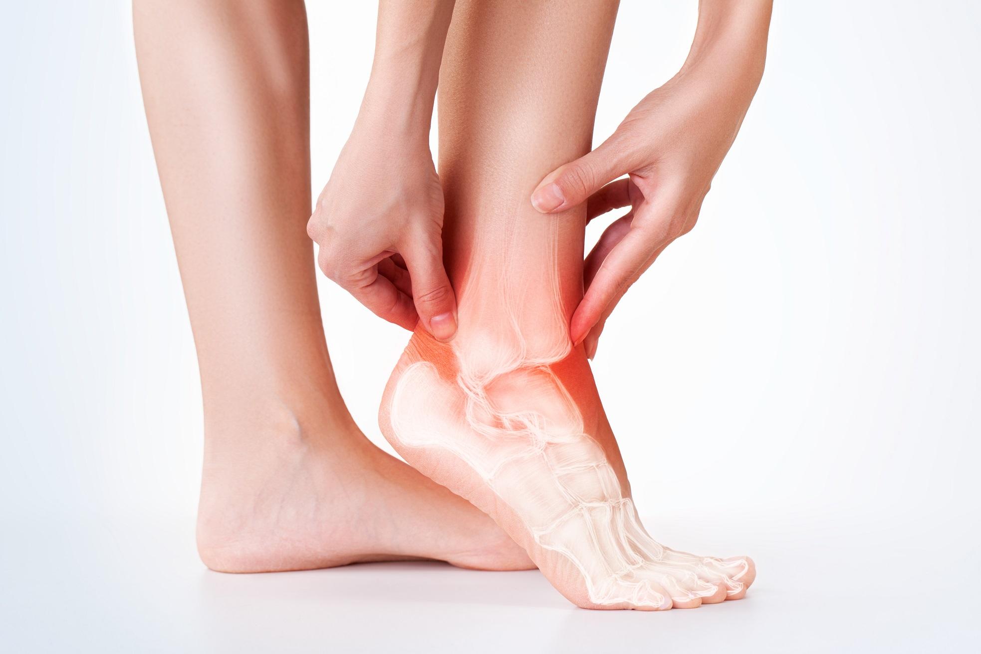 Reumatóide nos causa tornozelos a inchaço artrite
