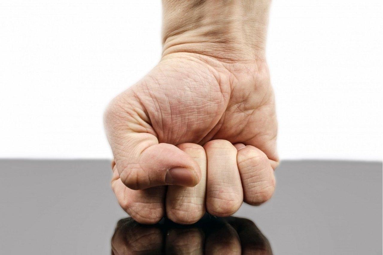 とても簡単!日常生活の中で握力を鍛える3つのトレーニング方法
