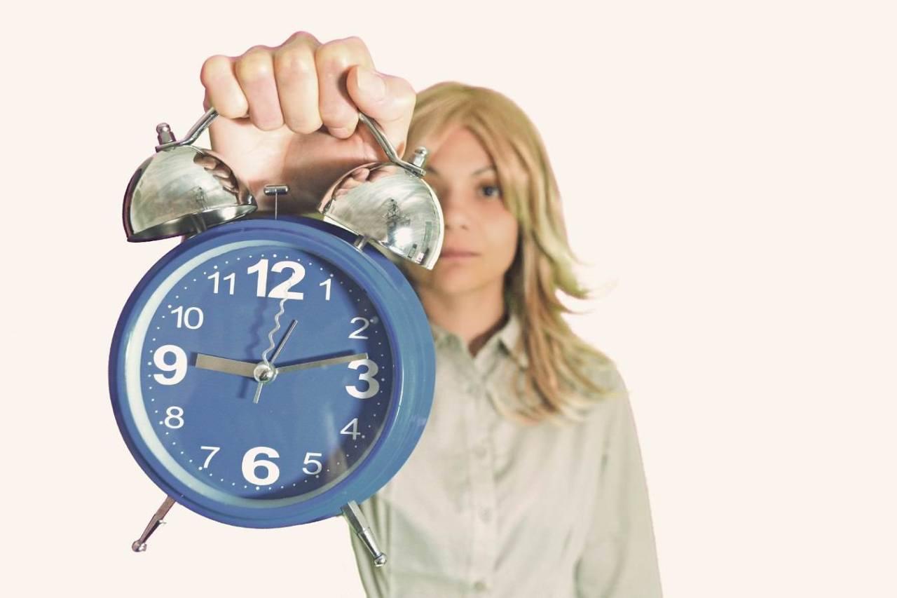 寝坊注意!重要な会議など大事な用事がある日に絶対遅刻しない対策4選