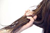 ゴージャス!一人で簡単にできるロングヘアの巻き髪アレンジのコツ4選