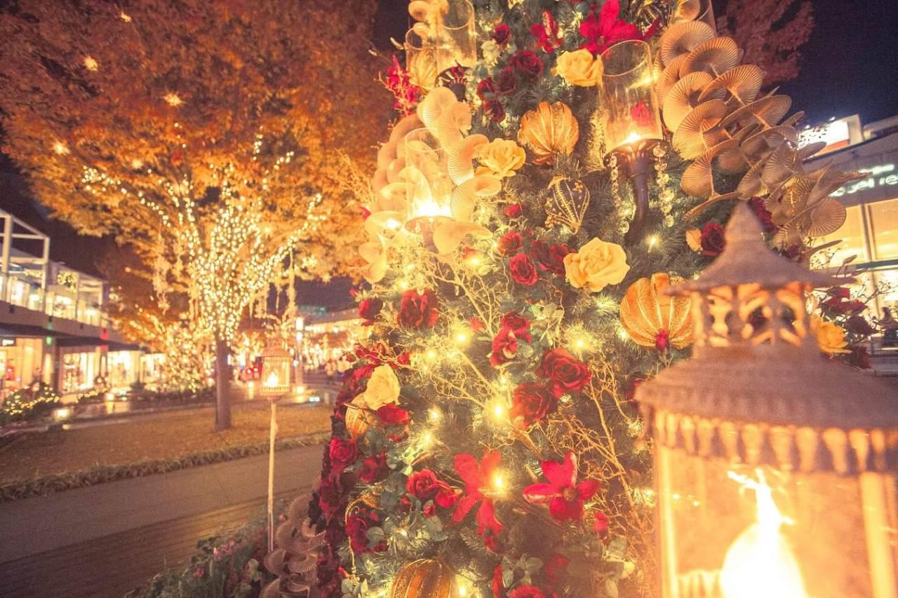 上品で可愛くておしゃれ!おすすめの簡単クリスマスネイルアート5選