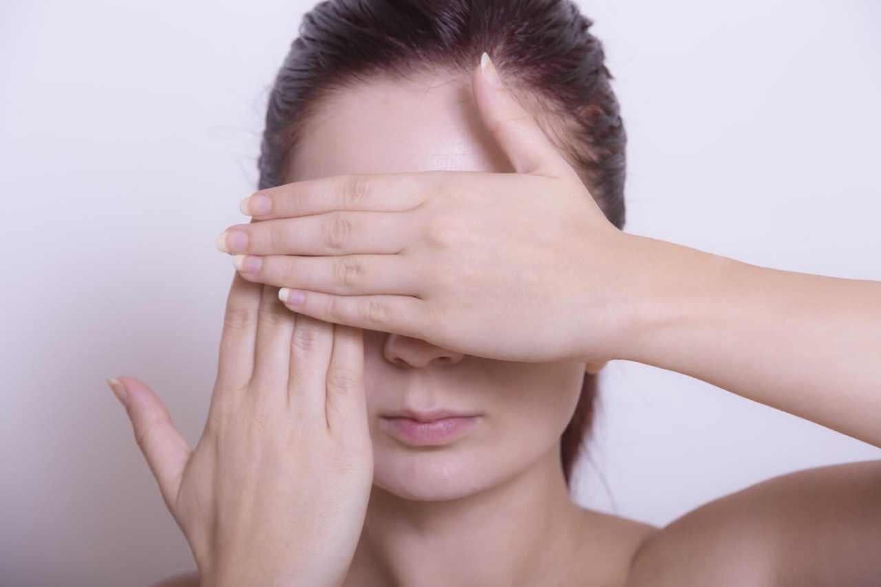 隠して目立たないようにする!眉毛の手入れに失敗した時の対処法5選