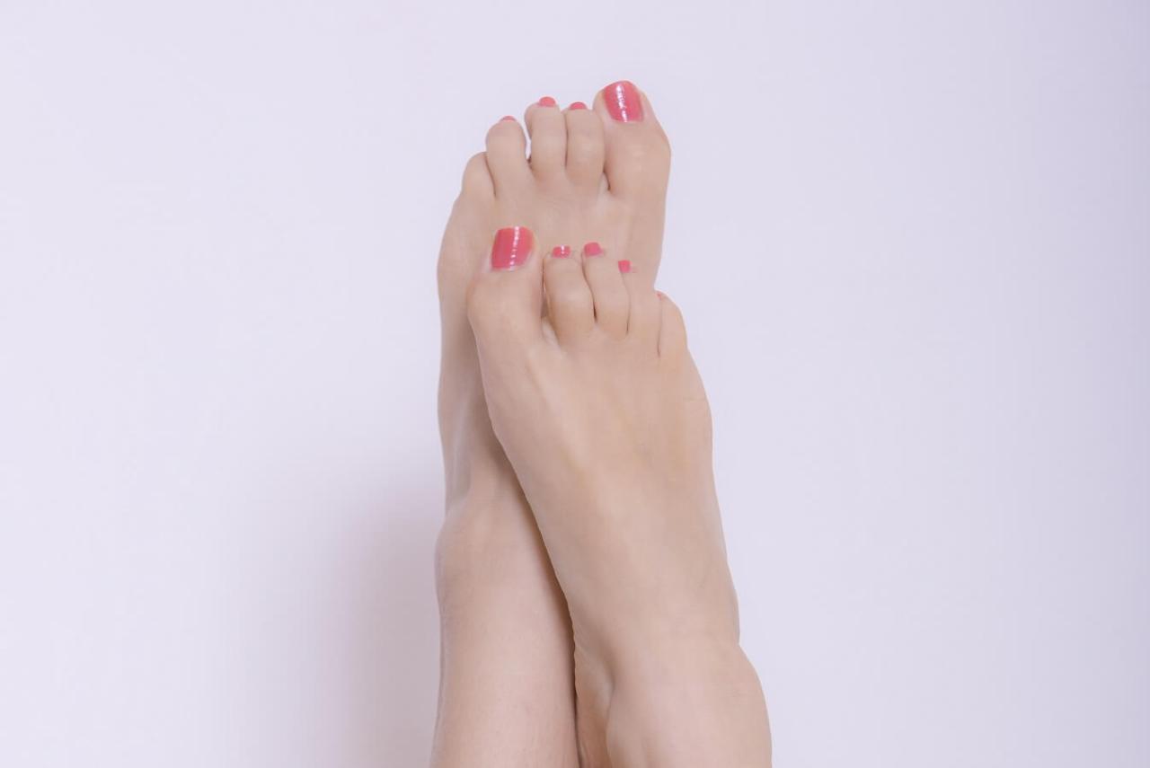 骨折の危険も!タンスの角などに足の小指をぶつけないための対策方法4選