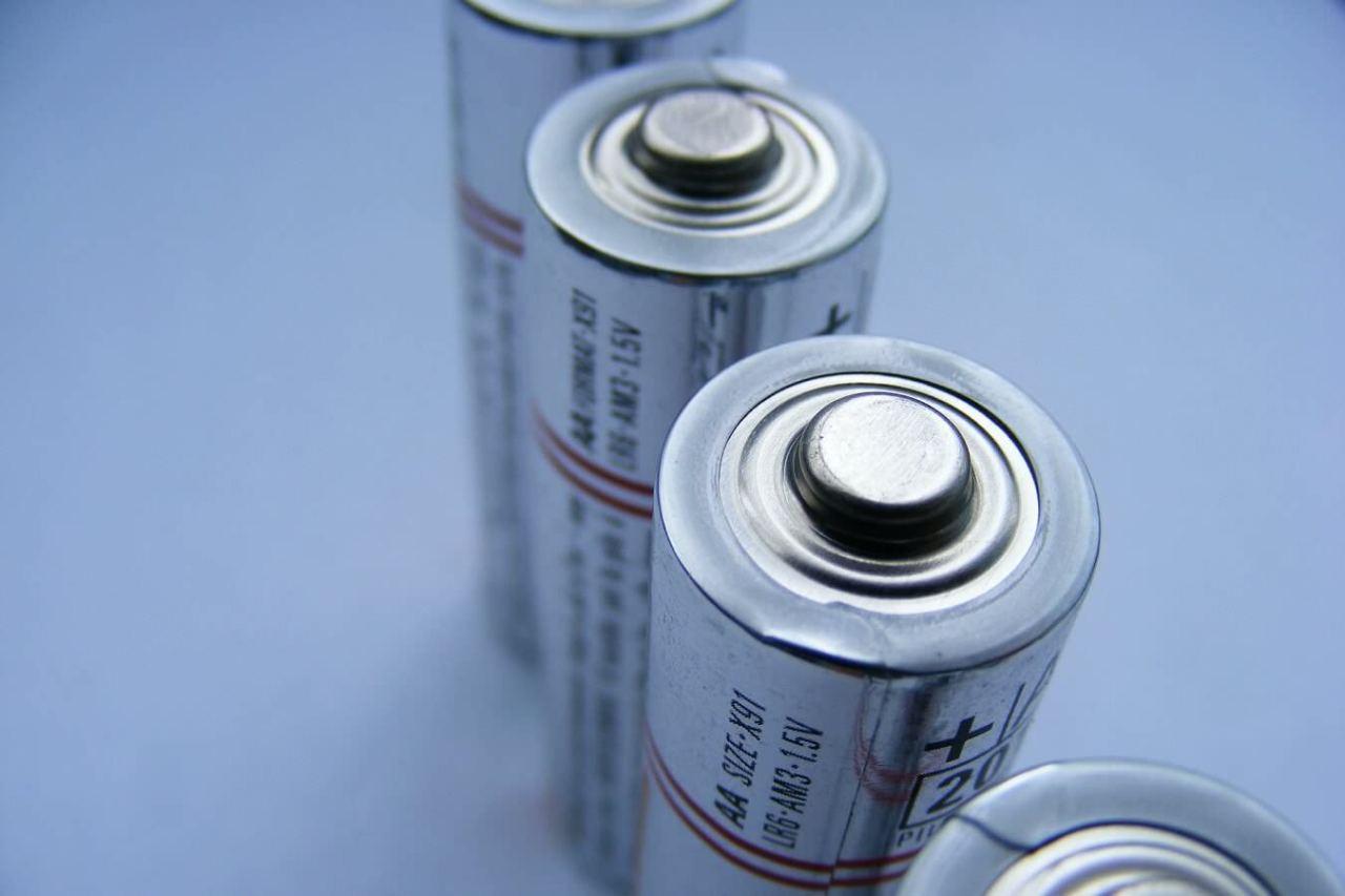 切れた電池を判別!古い使用済みの乾電池を簡単に見分けるための方法3選