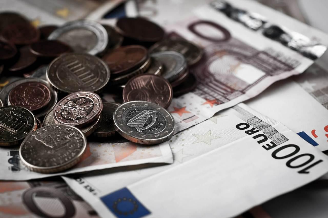 トラベル英会話!海外旅行で現地でのお金の両替で役立つ英語フレーズ8選
