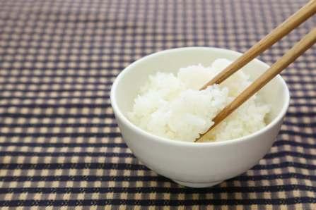 まるで炊き立て!冷凍したご飯を美味しく上手に解凍する方法・コツ5選