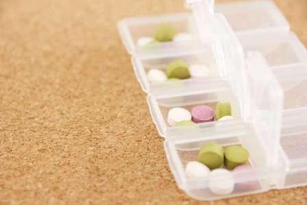 上手に飲み込む!サプリや薬の錠剤が喉に詰まらないようにする防止対策6選