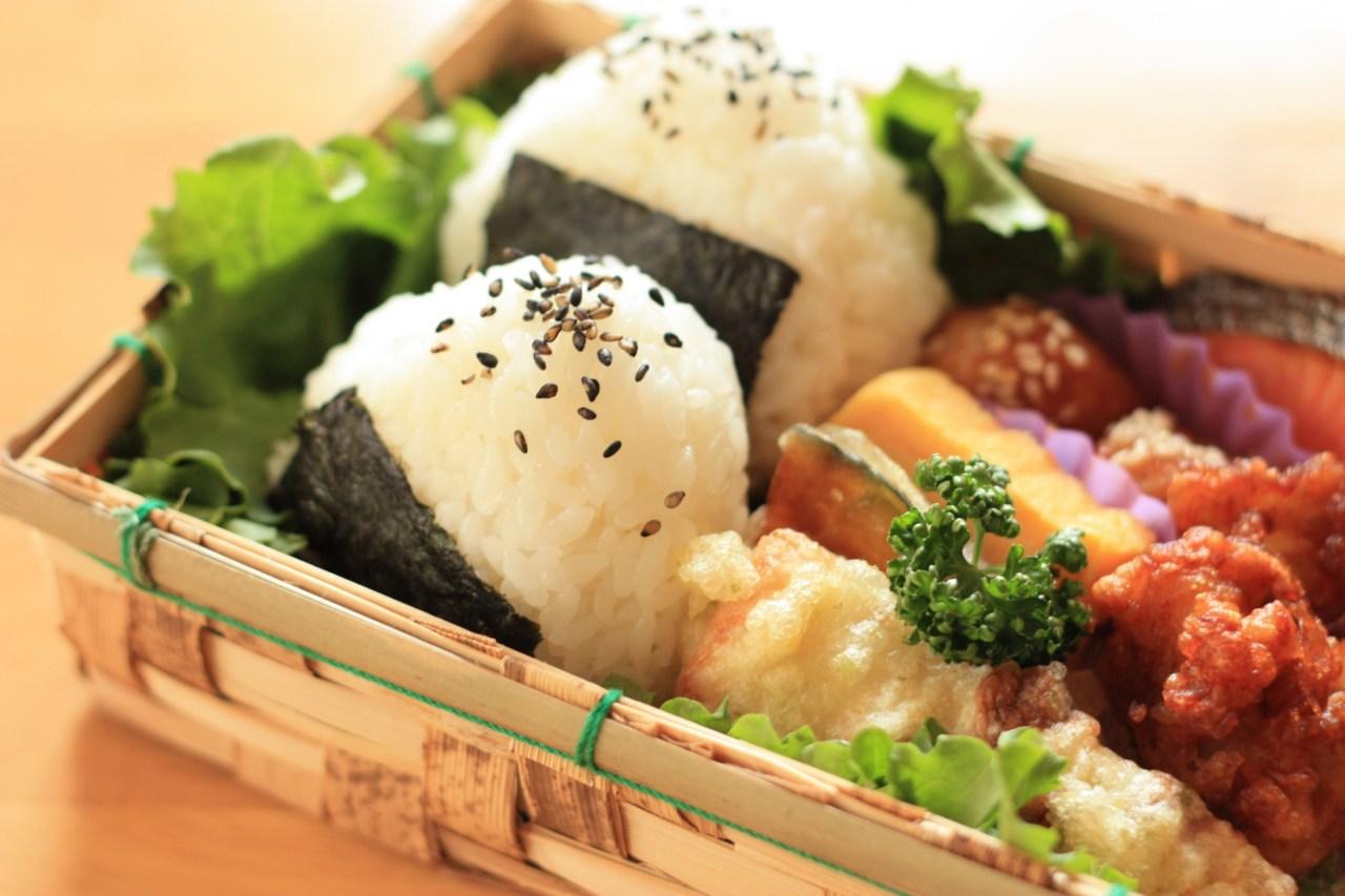 冷めない!温かい!お弁当のご飯やおかずの保温方法や温かく食べる方法5選