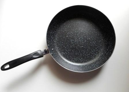 こびりつかない!フライパンや鍋の焦げ付きを防ぐ対策方法5選