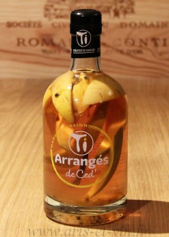 Bouteille Rhum Arrange Mangue Passion Ti Rhums de Ced