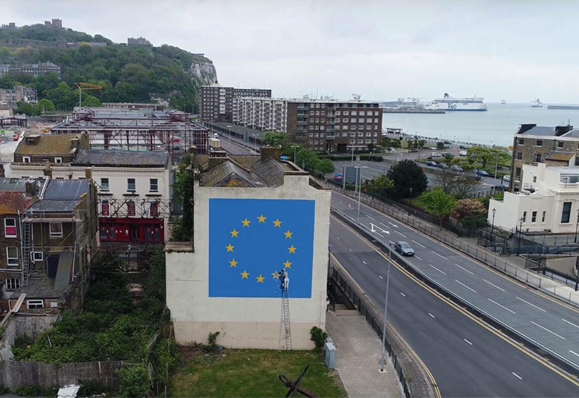 "Banksy, graffiti ""Brexit"". 2017."