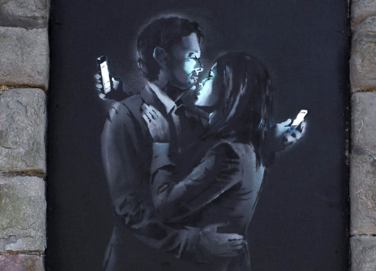 Banksy. Mobile Lovers (a fragment)