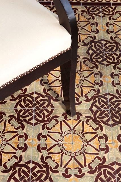 8 mosaic tile rug patterns to make any