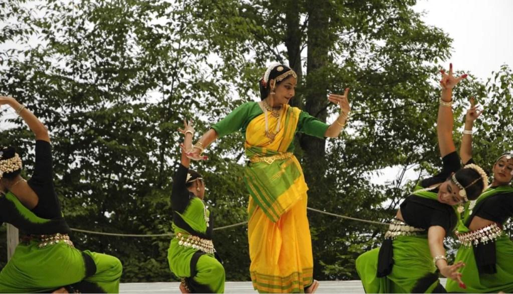 Neena Gulati (Choreography Fellow '17) performing in 2017.