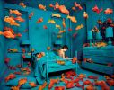 Sandy Skoglund, Revenge of the Goldfish, 65x83cm, 1981, FRAC Lorraine, tirage cibachrome