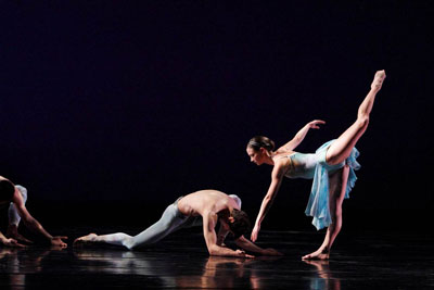 SPA presents Paul Taylor Dance Company on Oct 12 at Jones Hall Airs by Paul Taylor photos by Paul B. Goode.