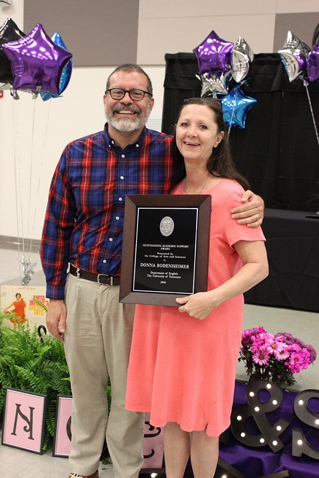 Judith Welch receives award for Donna Bodenheimer