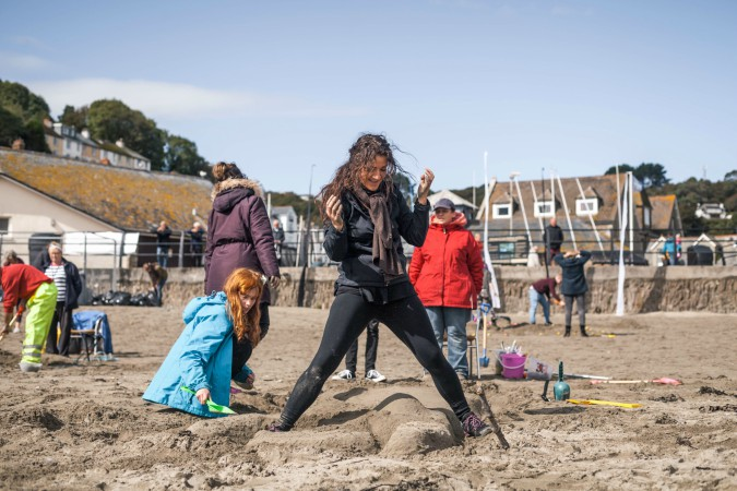 BA (Hons) Extended Degree students from Plymouth College of Art creating sand sculptures on Looe beach 1 - Photo by Taylor Harford