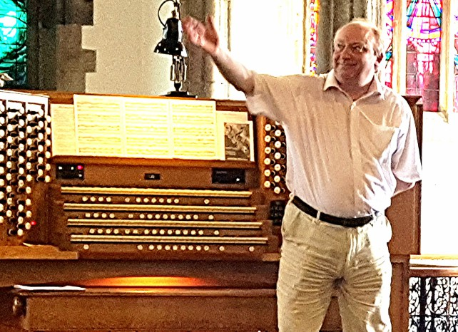 Paris round-trip skilfully imagined in Jeremy Clark's lunchtime recital