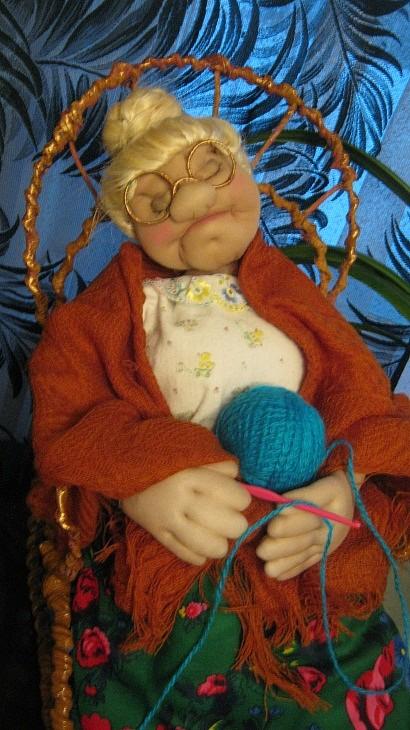 Лариса Михайловна Шапорева, 1953 г. р. Г. Лесосибирск п. Стрелка Кукла «Баба Соня», 2016 г. Синтепон, капрон, ткань, 65 см