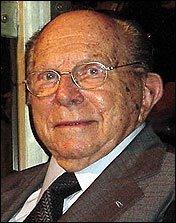 O Pensamento De Miguel Reale (1910-2006) Está, Axialmente, Voltado Para A Compre…