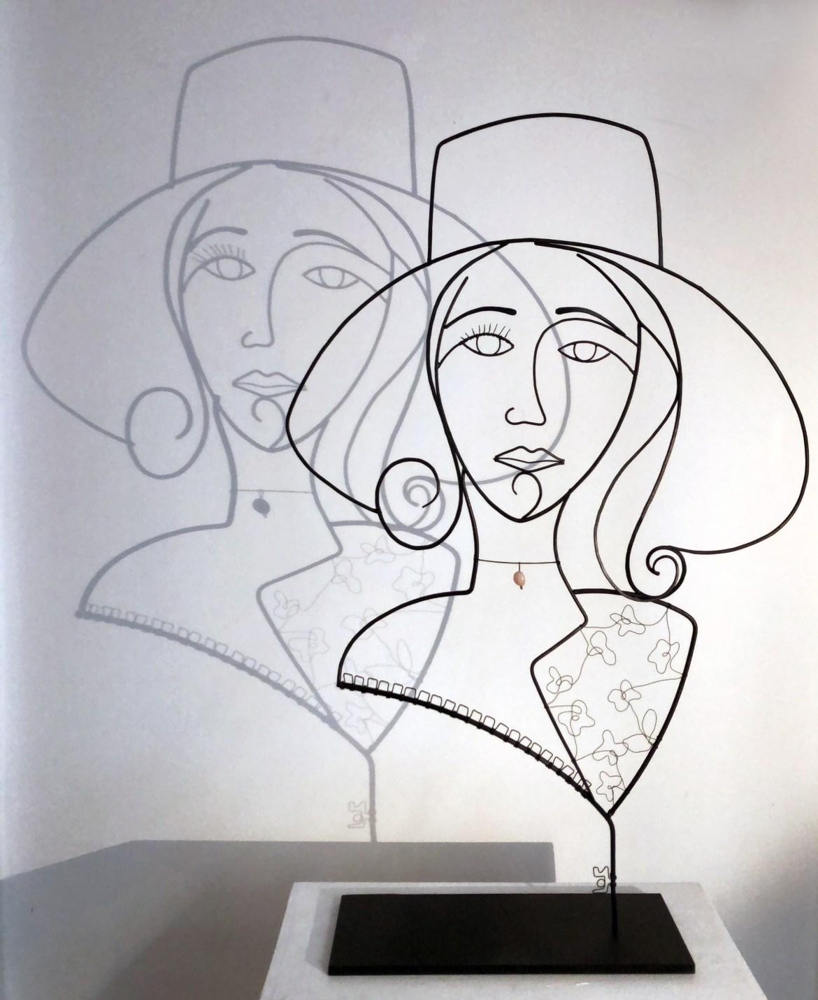Range of Arts - Wire Sculpture - Laure Simoneau - La Demoiselle au Chapeau