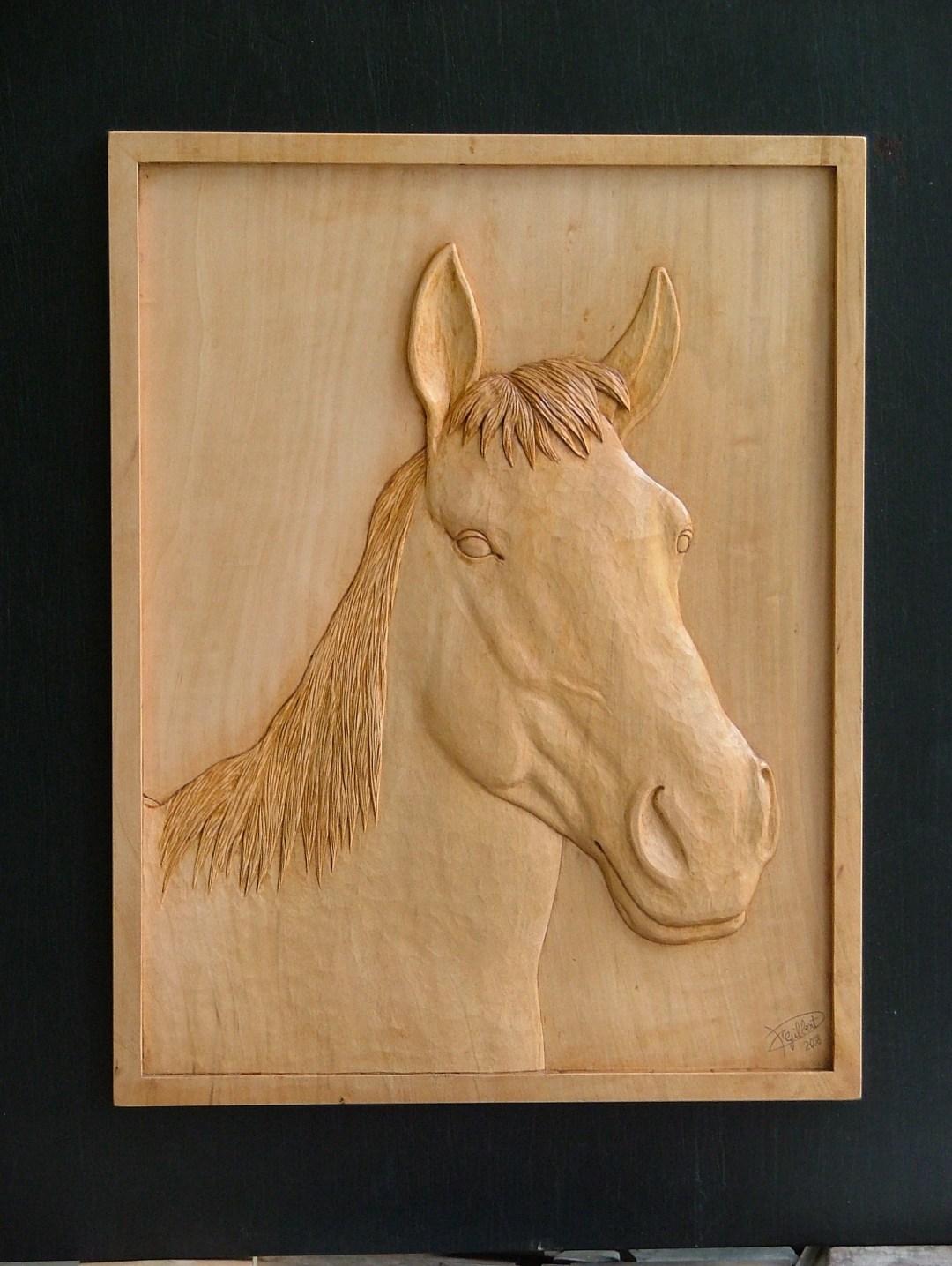 Portrait de cheval en tilleul