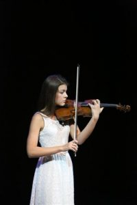 The winner of the Gold Medal and R15 000 in cash was Roxanne van Oudtshoorn, a Grade 9 violinist from Dainfern College.