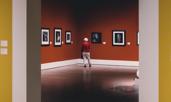 Grandparents Museums Improve Health - Artsy