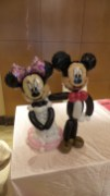 Balloon Sculpting Singapore for birthday parties and events balloon mickey and minnie balloon wedding couple
