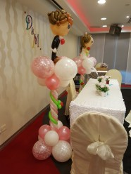 wedding balloon decorations bride and groom sculpture (3)