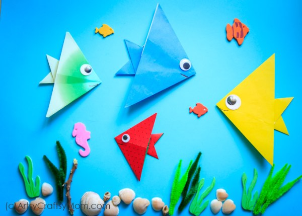 Make this super cute Dr Seuss - One fish Two fish Red fish Blue Fish Origami Fish Craft for kids