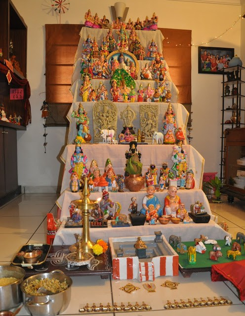Keep a golu at home | India Crafts Dussehra - 21 Navratri Dussehra Activities and Crafts to get your child involved in the festivities- crafts, puppets and activities that are both fun and educational.