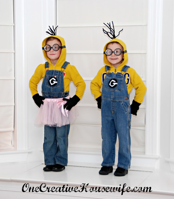 Minion Costume - Try these 21+ Last minute Halloween costume ideas that are both creative and easy and you can pull off in less than one hour. Minions, bandits, dolls and more
